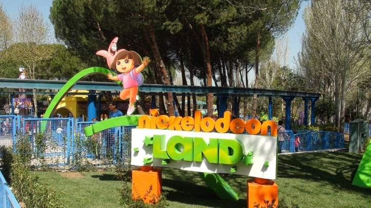 Nickelodeon-Land-at-Parque-de-Atracciones-Entrance-Logo-Theme-Park-Spain-Espana