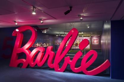 _CACHE_barbie-sala-1_418x0